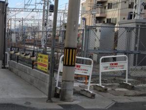 飾磨駅前の路地の入り口